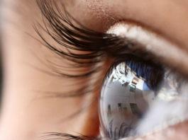Ученые только что сделали глазные капли, которые растворяют катаракту
