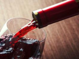 Ученые выяснили — бокал красного вина приравнивается к 1 часу занятий спортом