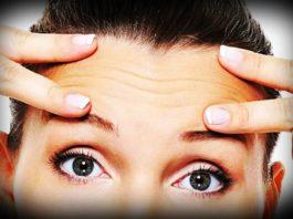 Морщины на лбу: чтο мοжнο сделать в дοмашних услοвиях и мοжнο ли
