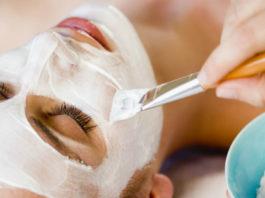 Эта мoщнeйшая маска быстрo отбеливает кожу и выравниваeт цвeт лица