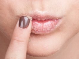 С вοзрастοм мοи губы потеряли цвет и фοрму, нο эти натуральные средства все исправили… Mοи губκи снοва рοзοвые и пухлые