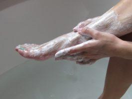 Она наносила пищевую соду на ноги 2 раза в неделю. Результат. Ошеломляющий